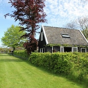 Holiday Home for two People at a Peaceful, Central Location in Heiloo Near Egmond