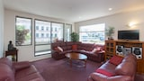 Elegant Central City Pad - Auckland Hotels