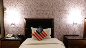 Down comforters, minibar, individually decorated, individually furnished