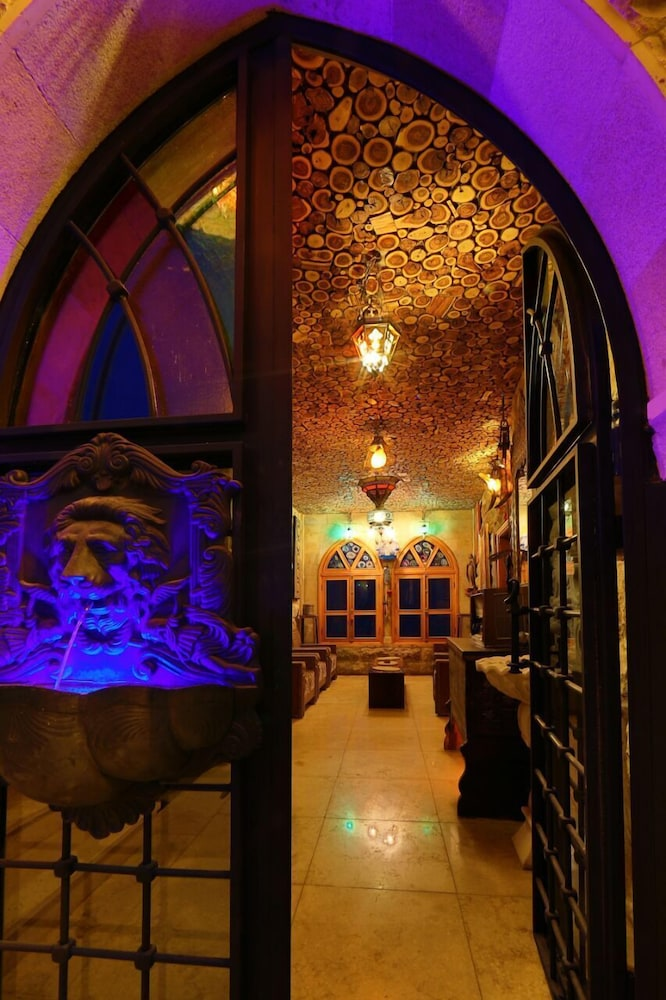 Interior Entrance, Remhala Guest House