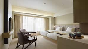 Free minibar items, in-room safe, free WiFi, linens