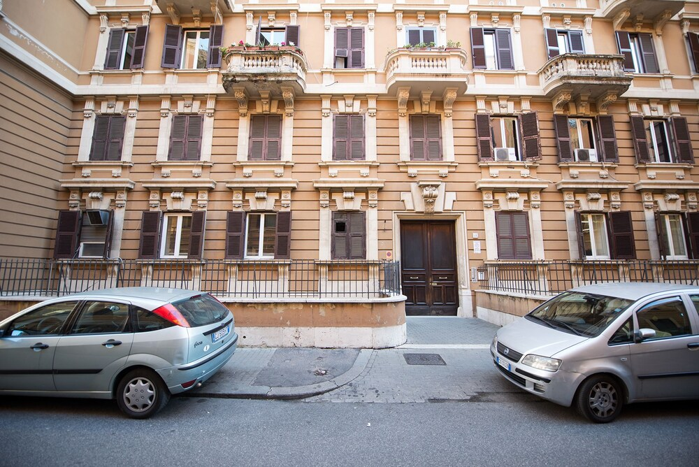 Ufficio Passaporti Roma Nuovo Salario : Le stanze di gaia roma italia expedia