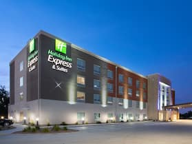 Holiday Inn Express & Suites Sterling, an IHG Hotel