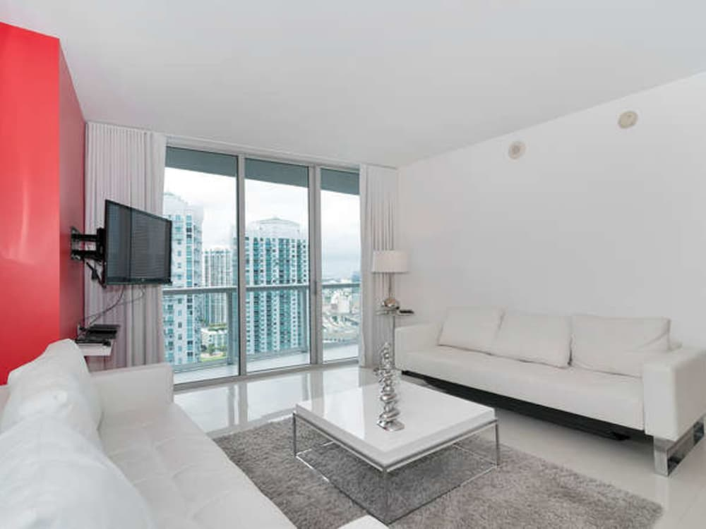city view apartment 1 bedroom balcony 1 bedroom apartment at viceroy featured - One Bedroom Apartments In Miami