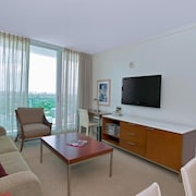 1 Bedroom Apartment at Sonesta Coconut Groove 88322 by RedAwning
