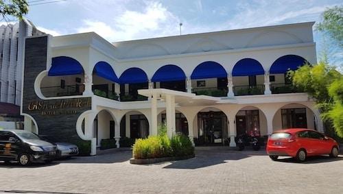 Casa de Wanea Hotel & Resto
