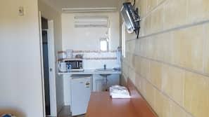 Fridge, microwave, coffee/tea maker, electric kettle