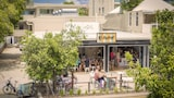 10 Hastings Street Boutique Motel & Cafe - Noosa Heads Hotels