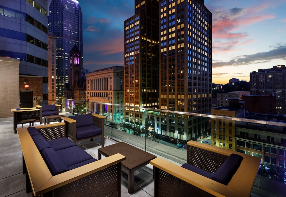 Terrace/Patio, Distrikt Hotel Pittsburgh, Curio Collection by Hilton