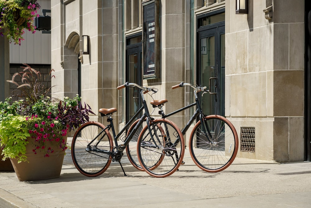 Bicycling, Distrikt Hotel Pittsburgh, Curio Collection by Hilton