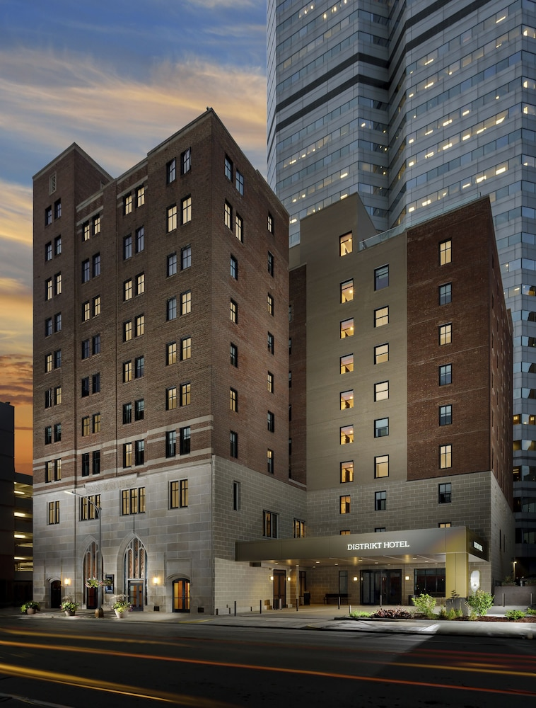 Front of Property - Evening/Night, Distrikt Hotel Pittsburgh, Curio Collection by Hilton