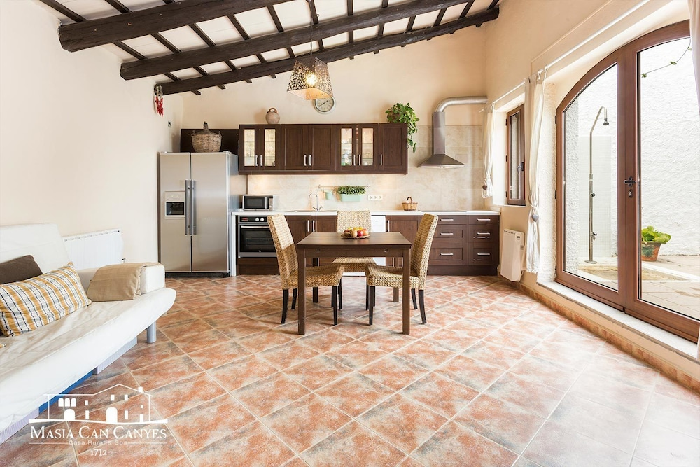 Private Kitchen, Masia Can Canyes & Spa