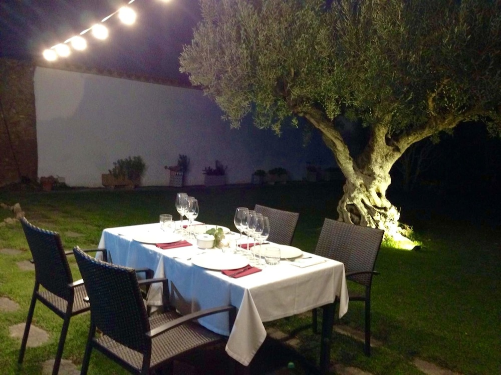 Outdoor Dining, Masia Can Canyes & Spa