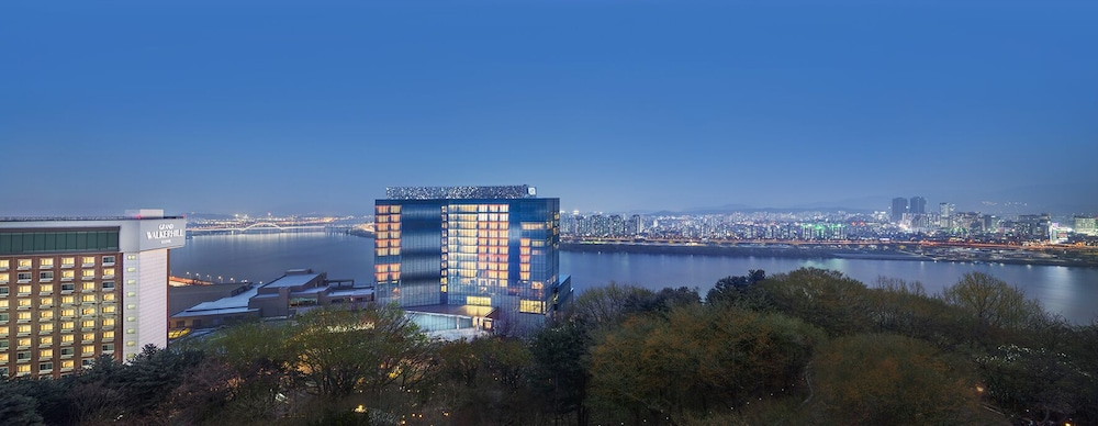 Front of Property - Evening/Night, Vista Walkerhill Seoul (formerly W Seoul Walkerhill)