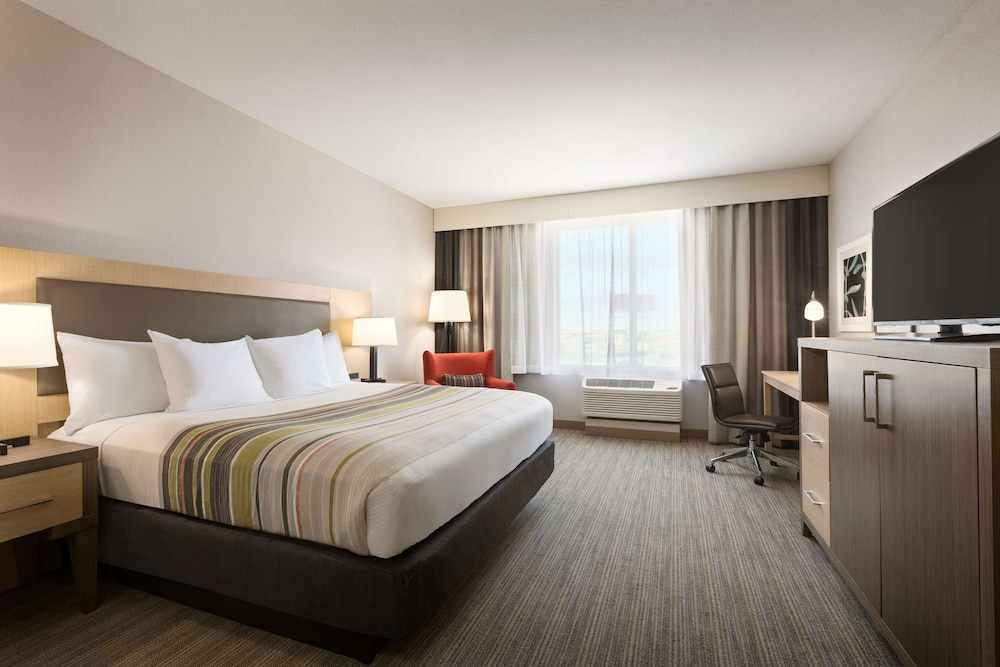 Room, Country Inn & Suites by Radisson, New Braunfels, TX