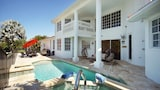 Exclusive Tropical Villas - Cape Coral Hotels