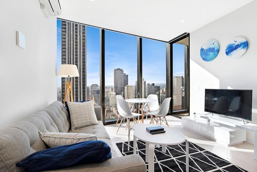 Ifstays Eq Tower Apartment