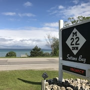 M-22 Inn Suttons Bay