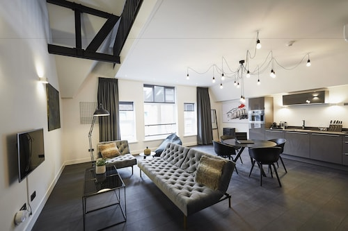 DE BANK - short stay apartments