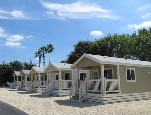 Travelers World RV Resort