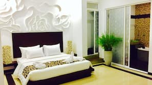 1 bedroom, Egyptian cotton sheets, premium bedding, minibar