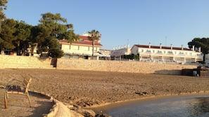 På stranden, strandbar och rodd/paddling