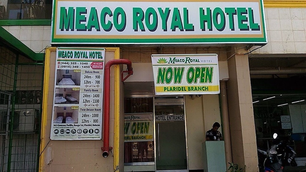 Front of Property, Meaco Royal Hotel - Plaridel