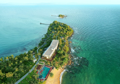 Nam Nghi Phu Quoc, in The Unbound Collection by Hyatt