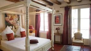 Premium bedding, blackout curtains, soundproofing, free cots/infant beds