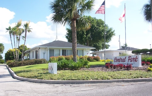 Great Place to stay Central Park RV Park near Haines City