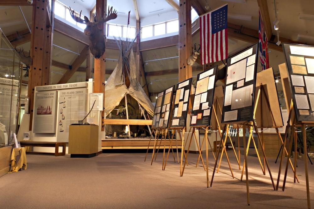 Gannett Peak Lodge: 2019 Room Prices $85, Deals & Reviews | Expedia