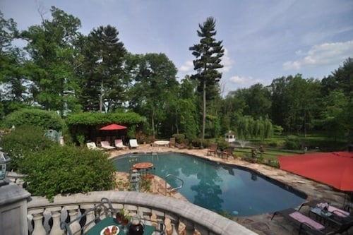 Pool, The Inn at Bowman's Hill