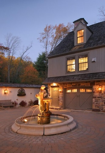 Fountain, The Inn at Bowman's Hill