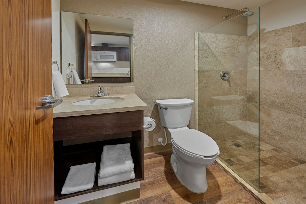 Bathroom, Extended Suites Tijuana Macroplaza