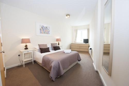Robinson House Serviced Apartments