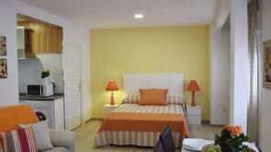 1 dormitorio, edredones de plumas, caja fuerte
