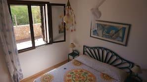 1 bedroom, premium bedding, in-room safe