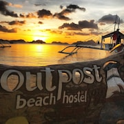 Outpost Beach Hostel - Adults Only