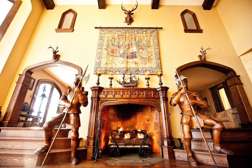 Living Room, Highlands Castle