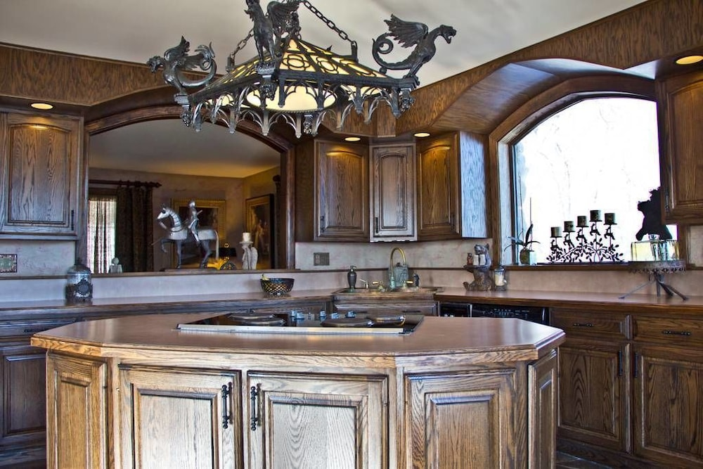 Private Kitchen, Highlands Castle