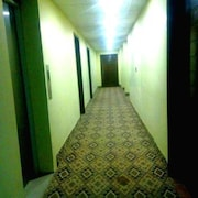 Hotels near Shrine of Shams-ud-Din Sabzwari, Multan: Find Cheap $24