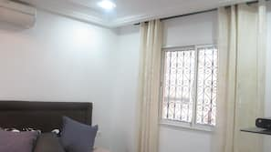 3 chambres, fer et planche à repasser, Wi-Fi gratuit, draps fournis