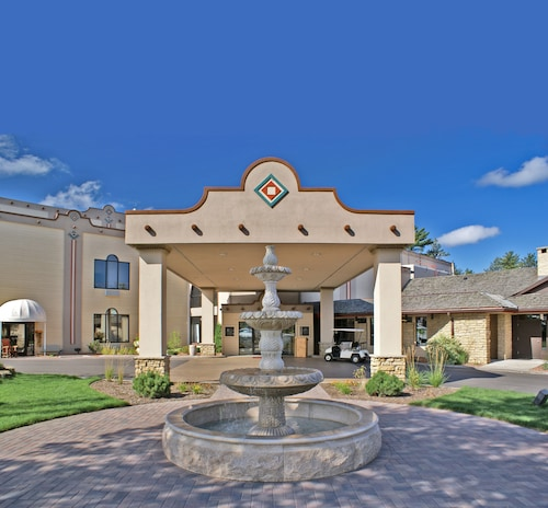 Chula Vista Resort Condominiums Wisconsin Dells Wi: Hotels Near Woodside Wisconsin Dells Center Dome