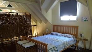 高档床上用品、书桌、熨斗/熨衣板、免费 WiFi