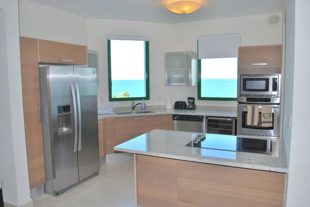 Private Kitchen, VPR Apartments- Ocean Villas at Rio Mar