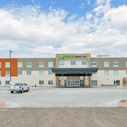 Holiday Inn Express & Suites Chadron