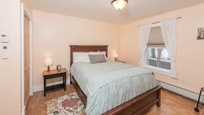 Hochwertige Bettwaren, individuell dekoriert, Bügeleisen/Bügelbrett