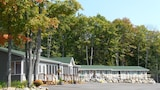 Crestwood Inn - Port Carling Hotels