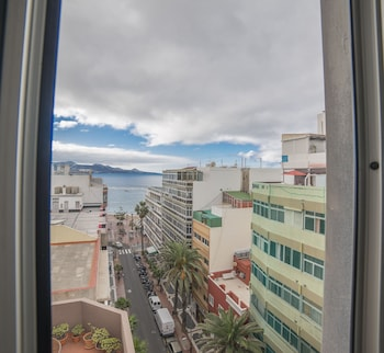 Flat with view to the Canteras Beach