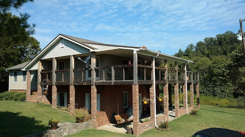 Fall Hollow Bed & Breakfast